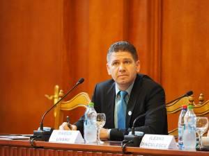 Marius Livanu i-a propus preşedintelui CJ Suceava să facă parte din delegaţia care ar urma să intre în audienţă la Papa Francisc