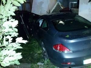 BMW-ul intrat în peretele casei din  Burdujeni