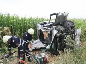 Accident cu patru răniţi între Vereşti şi Dumbrăveni