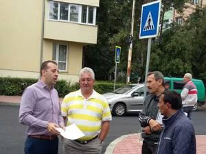 Primarul Ion Lungu a făcut un tur al lucrărilor de reparaţii şi investiţii, stabilind deschiderea de noi şantiere şi zorind constructorii să termine cele începute