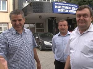 Primarii din Siret, Moldoviţa şi Liteni au venit la IŞJ pentru a se asigura că în fruntea şcolilor lor nu vin oameni nepotriviţi
