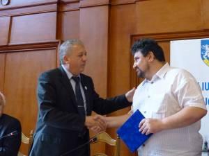 """Emil Ursu a primit din partea prefectului """"Diploma de excelenţă"""" pentru întreaga sa activitate"""