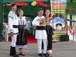 """Ansamblul Studenţesc """"Arcanul USV"""" a promovat tradiţiile bucovinene în Portugalia"""