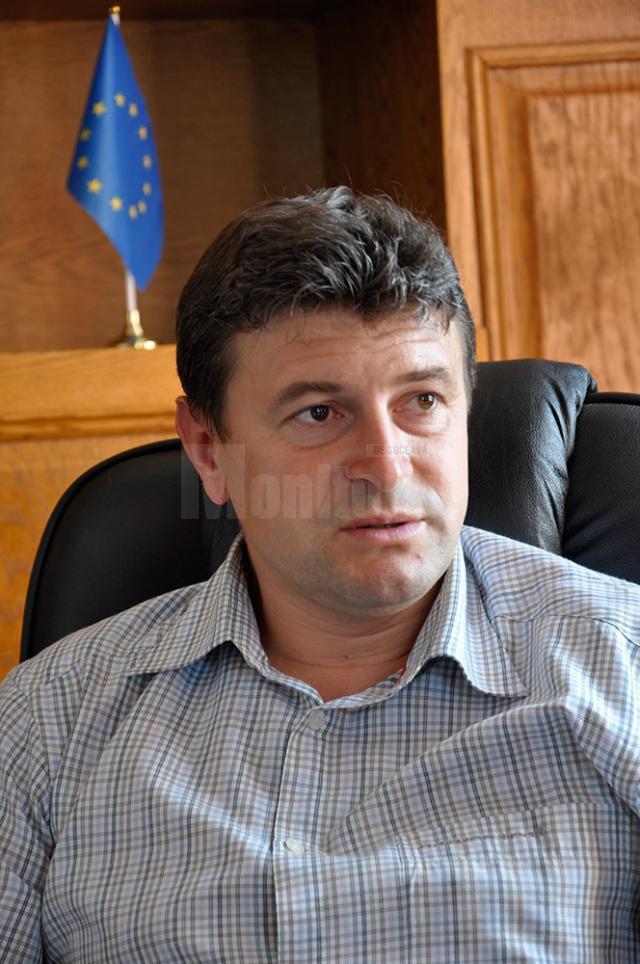 Primarul din Fălticeni, Cătălin Coman, şi-a anunţat ieri portofoliul de proiecte pe care le-a pregătit pentru acest municipiu
