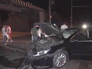 Autoturismul VW Passat CC a fost grav avariat