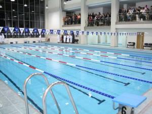 Bazinul de înot de la Universitatea Suceava va fi funcţional abia peste o lună