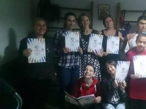 """Asociaţia """"Freamăt de speranţă"""" din Câmpulung Moldovenesc a lansat o carte de colorat în scop umanitar"""