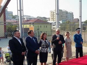 Ioan Balan, Gheorghe Flutur şi Ion Lungu, la inaugurarea celui mai modern teren de sport din Suceava, la Şc. Nr. 8