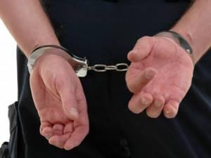 Bărbatul a fost arestat pentru o perioadă de 30 de zile. Foto: oradeiasi.oradestiri.ro