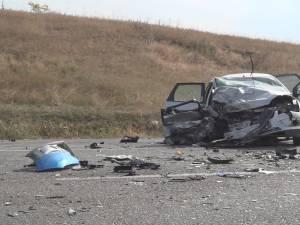 Impactul dintre cele doua masini a fost deosebit de violent