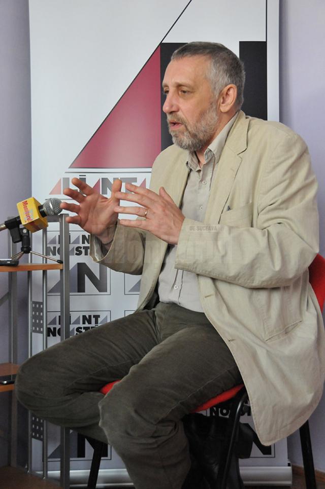 """Marian Munteanu: """"Un popor destrămat, fără repere şi identitate, fără o susţinere a propriilor interese devine vulnerabil, manipulabil"""""""