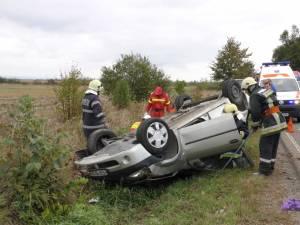Maşina răsturnată
