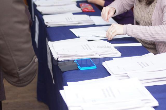 Prefectura instruiește primarii şi secretarii cu privire la organizarea alegerilor generale
