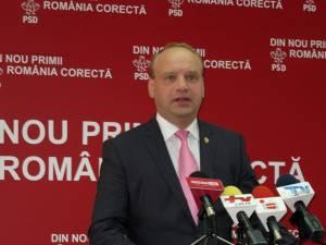 Senatorul PSD de Suceava Ovidiu Donţu a depus o iniţiativă legislativă în care se prevede ca tarifele poliţelor RCA să fie stabilite doar în funcţie de vechimea vehiculelor