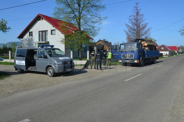 Polițiștii de frontieră şi lucrători din cadrul Grupării de Jandarmi Mobile Bacău execută mai multe misiuni și activități specifice în zona de frontieră