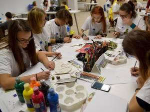 """Atelierul de pictură """"Un cerc de prieteni – desenăm împreună"""", organizat la Muzeul de Istorie"""
