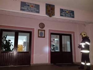 Primăria Frătăuţii Vechi, una din cele şapte unităţilor administrativ-teritoriale la care ușile erau închise