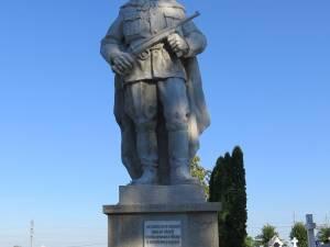 """Ceremonie militară şi religioasă la Monumentul Eroilor Români din Cimitirul """"Pacea"""""""