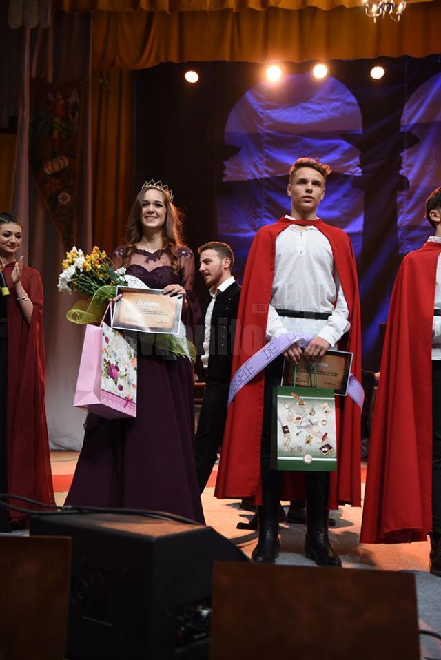 Casian Gabinat și Iustina Stanca, regele şi regina balului