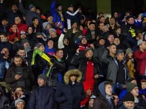 """Pe tot parcursul meciului, echipa locală a fost susţinută din tribune, de unde s-a auzit de multe ori îndemnul """"Suceava, Suceava"""""""