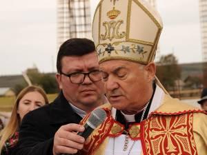 Ceremonialul religios a fost condus de Episcopul de Iași, Petru Gherghel