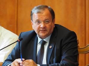 Gheorghe Flutur a afirmat că banii vor acoperi facturile restante ale furnizorilor şi vor asigura plata combustibilului necesar pentru iarna 2016-2017