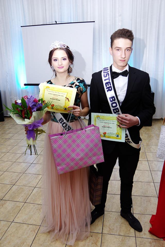 Alexandra Humă și Andrei Busuioc au fost aleși cei mai frumoși boboci