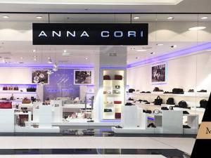 ANNA CORI, brandul românesc de încălţăminte, este prezent, din 15 noiembrie, şi în Park Lake Shopping Center