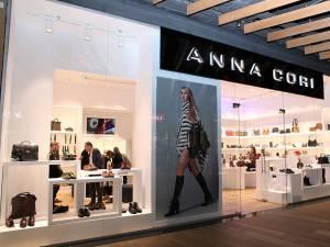 ANNA CORI, cel mai vândut brand de încălţăminte, genţi şi accesorii din România,  este prezent din 15 noiembrie şi în Park Lake Shopping Center