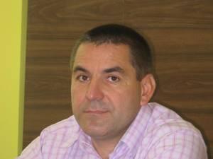 Primarul Siretului, Adrian Popoiu