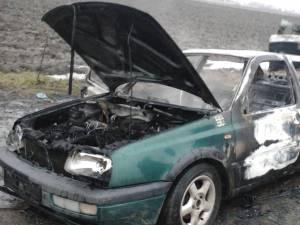Maşina care a ars