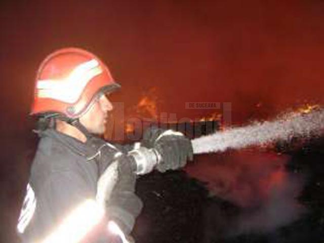 Casă din Bosanci, cuprinsă de un incendiu