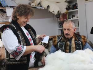 """Meşteri populari prezenţi la """"Târgul de Crăciun"""" din municipiul Suceava"""