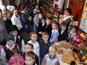 """Concursul gastronomic """"Cămara Bunicii"""" desfăşurat la Școala din Bănești. Foto: Suceava.Info.Ro"""