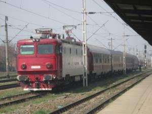 Șase perechi de trenuri vor lega zilnic Suceava de Bucureşti tur-retur, de pe 11 decembrie, exact cum s-a întâmplat şi în ultimii ani