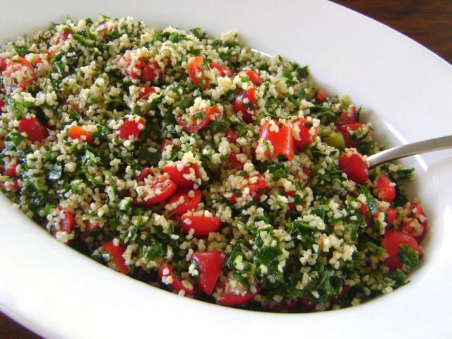 Salată libaneză cu pătrunjel (de post)