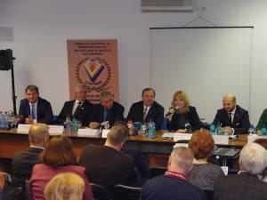 Ministrul Finanţelor s-a întâlnit cu mediul de afaceri sucevean, la invitaţia lui Gheorghe Flutur