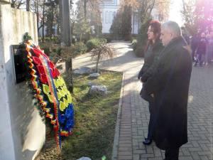 Steliana Miron, Dumitru Mihalescul şi echipa liberală i-au adus un omagiu lui Iancu Flondor, artizanul Unirii Bucovinei cu România