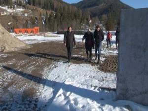 Gheorghe Flutur a fost prezent, împreună cu şeful Direcţiei Regionale de Drumuri şi Poduri Iaşi, Ovidiu Laicu, pe DN 18, la Botuş
