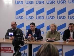 Nicuşor Dan a venit la Suceava pentru a-i susţine pe candidaţii USR pentru alegerile parlamentare