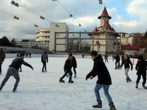 Încasările din taxele de intrare la patinoarul artificial au fost de peste 15.000 de lei în doar câteva zile