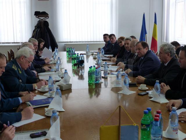 Flutur a convenit cu autorităţile din Cernăuţi promovarea unui proiect pentru modernizarea Vămii Siret