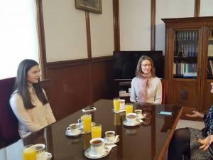 Bogdana Ioana Hîncean, doamna Hincean, împreună cu Gabriela Scutea, secretar de stat în Ministerul Justiției România