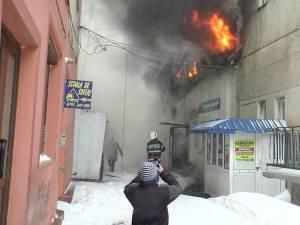 Flăcările au distrus hala de carne și brânză si clădiri din preajma sediului Romtelecom din centrul oraşului