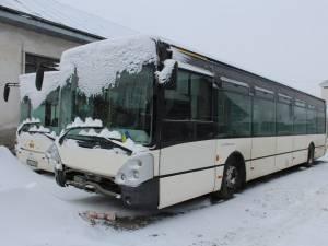 Fără spații de garare, autobuzele sunt ţinute în curtea vechiului TPS, fără a putea fi ferite de ger