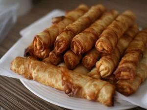 Țigări de foi (versiunea dulce cu cremă de vanilie). Foto: pinterest.com