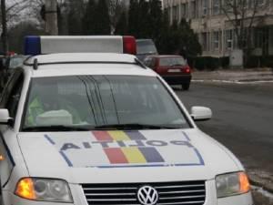 Un tânăr fără permis a provocat o tamponare şi a plecat de la locul faptei