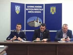 Seminar pe tema importanţei poliţiei de proximitate, la Prefectura Suceava