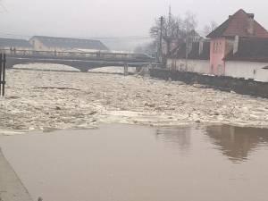 Vatra Dornei, afectată de inundaţii serioase
