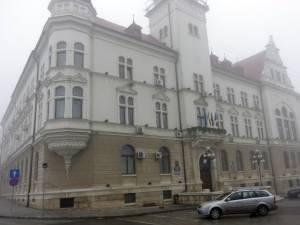 Consiliul Judeţean Suceava a aprobat, în şedinţa din ianuarie, un proiect de hotărâre privind acordarea a cinci zile de concediu de odihnă suplimentare